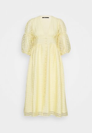 SIMONE DRESS - Vestido camisero - pale banana