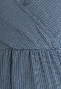 MAMALICIOUS - NURSING - Camiseta estampada - china blue - 2