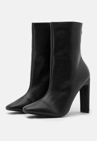 RAID - ALEENA - Kotníková obuv na vysokém podpatku - black - 2