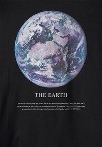 Even&Odd - T-shirts med print - black - 4