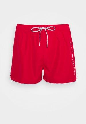 RUNNER - Plavky - red