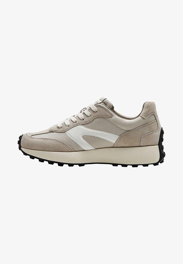 MIT EINSÄTZEN  - Sneakersy niskie - beige