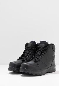 Nike Sportswear - MANOA '17 - Sneakersy wysokie - black - 3