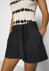 ONLY - ONLMARLEE-NESSA - Shorts - black - 4