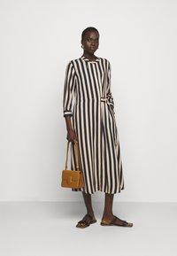 RIANI - KLEID - Denní šaty - beige - 1