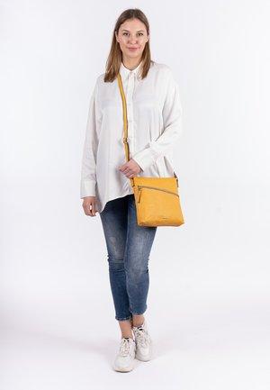ALESSIA - Across body bag - yellow