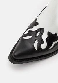 Kentucky's Western - Kovbojské/motorkářské boty - black/white - 5