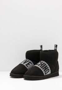 Love Moschino - WINTER LOVE - Classic ankle boots - black - 4