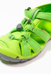 Keen - SEACAMP II CNX - Chodecké sandály - vibrant green - 2