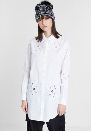 CAM_GARONA - Shirt - white