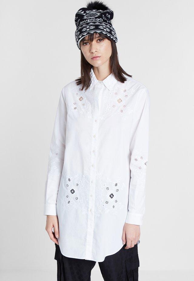 CAM_GARONA - Camisa - white