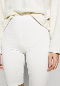 esmé studios - PAM SHORT LEGGINGS - Shorts - white - 4