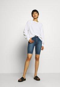 Carin Wester - KATY - Short en jean - light blue - 1