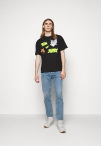 GCDS - TOM & JERRY TEE - Print T-shirt - black - 1