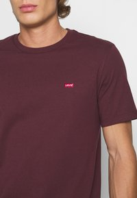 Levi's® - ORIGINAL TEE - Basic T-shirt - bordeaux - 5