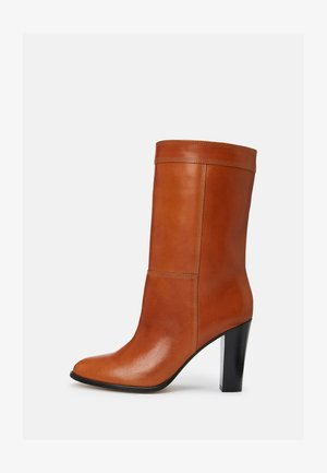 DAGNA - Vysoká obuv - tan