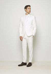 Isaac Dewhirst - WHITE WEDDING SLIM FIT SUIT - Kostym - white - 0