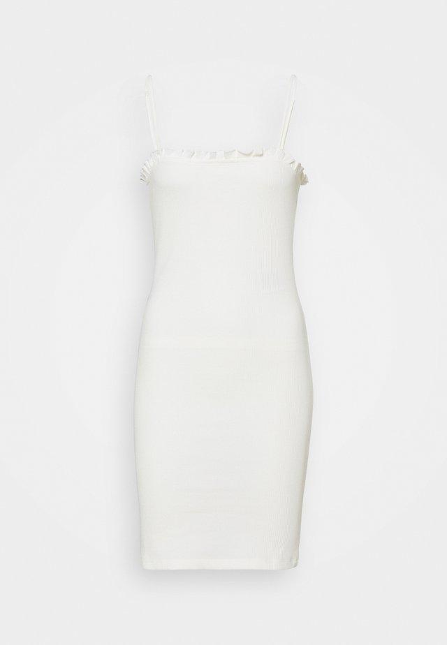 PCTEGAN STRAP DRESS - Pletené šaty - cloud dancer
