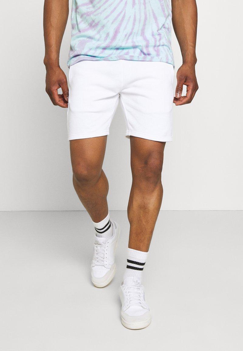 Calvin Klein Jeans - PRIDE GRAPHIC UNISEX - Short - bright white