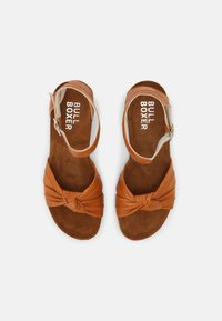 Bullboxer - Wedge sandals - tann - 4
