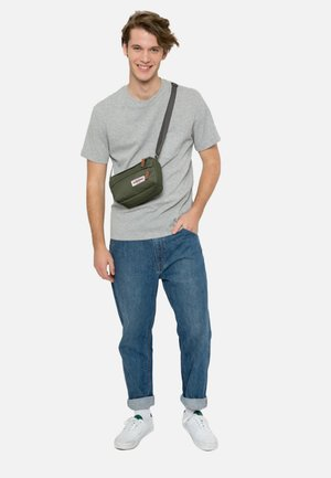 OPGRADE/AUTHENTIC - Across body bag - opgrade jungle