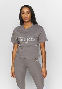 Pink Soda - HERMOSA PANEL  - Camiseta estampada - grey - 0