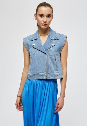 FLORENCE  - Waistcoat - light blue wash