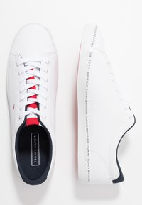 Tommy Hilfiger - ESSENTIAL VULC - Trainers - white - 1