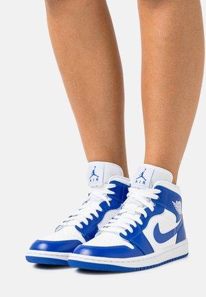 WOMENS AIR 1 MID - Zapatillas altas - white/hyper royal