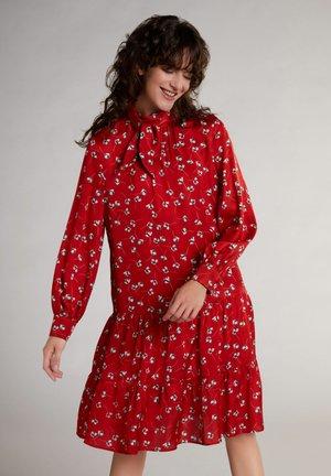 Day dress - rot türkis