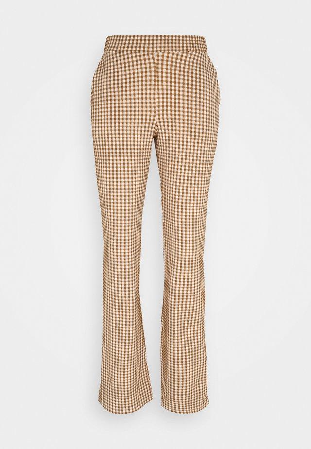 JEFF PANTS - Trousers - cognac