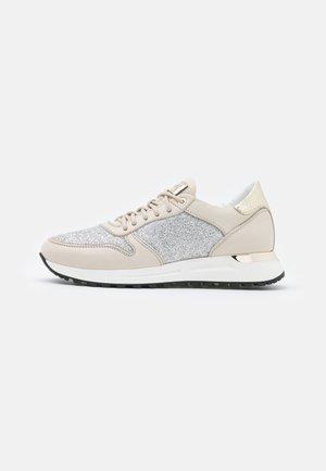 AGATA - Sneakers laag - conchiglia/platino