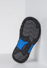 Keen - NEWPORT - Walking sandals - magnet/brilliant blue - 4