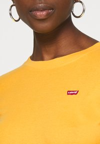 Levi's® - BABY TEE - T-shirt à manches longues - gold coast - 5