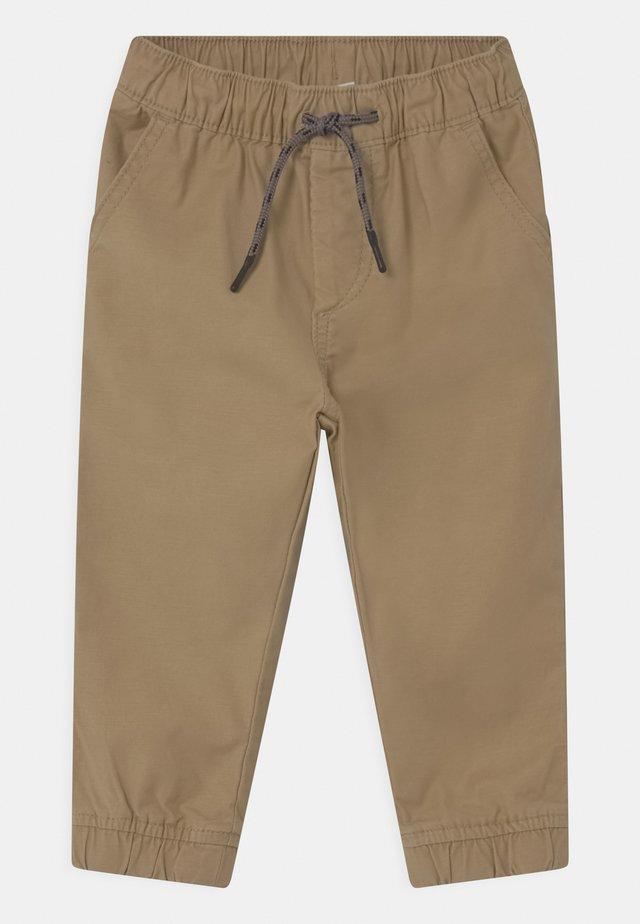 TODDLER BOY EVERYDAY  - Trousers - new british khaki
