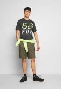 Fox Racing - HERITAGE FORGER TECH TEE - T-Shirt print - black/green