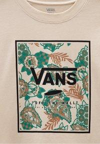 Vans - WM MONTAUK PRINT BOX BOXY SS - T-shirt med print - oatmeal - 2