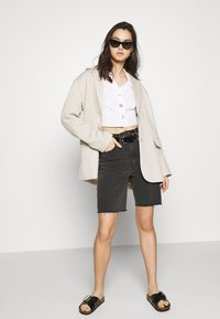 Who What Wear - THE WAISTED - Button-down blouse - parchment - 1