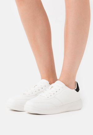 WIDE FIT ALICE - Tenisky - white/black