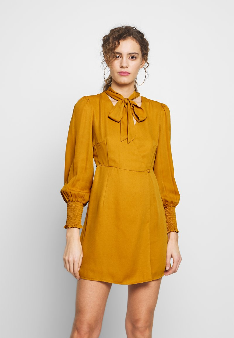 Fashion Union - PEEPO - Day dress - yellow