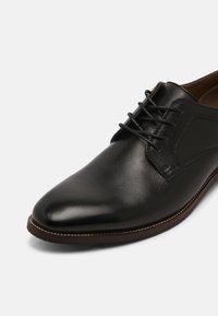 ALDO Wide Fit - JARRAH FLEX-W - Zapatos de vestir - black - 6