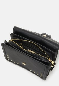 Versace Jeans Couture - COUTURE SHOULDER BAG - Torebka - nero - 3