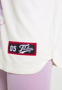FUBU - VARSITY TIE DYE BASEBALL - T-shirt con stampa - white - 4