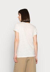Mos Mosh - RUBIES TEE - Print T-shirt - peachskin - 2