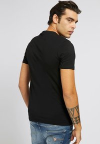 Guess - A$AP ROCKY - Print T-shirt - schwarz - 2