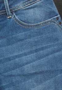 MAMALICIOUS - MLESSEX  - Slim fit jeans - medium blue denim - 2