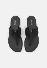 MICHAEL Michael Kors - VERITY THONG - Sandály s odděleným palcem - black - 4