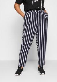 ONLY Carmakoma - CARCASIA LONG PANTS - Bukse - peacoat - 0