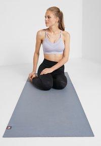 Manduka - EKO SUPERLITE YOGA MAT - Fitness / yoga - thunder - 0