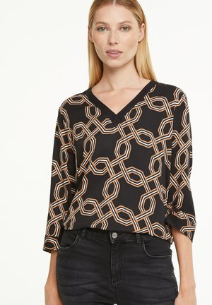 Blouse - black big chain